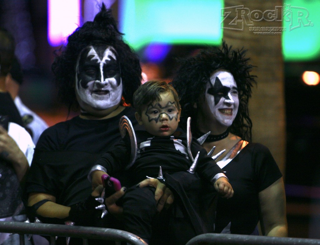 KISS Army Families showed up in proper fashion!