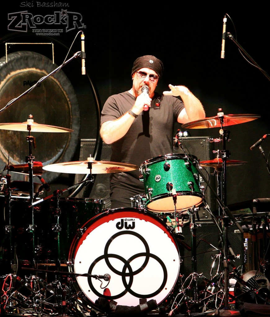 Son of drummer John Bonham, Jason Bonham shares a story with the crowd about his father's days in the infamous band.