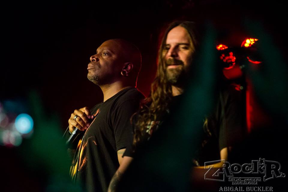 Derrick Green (vocals) and Andreas Kisser (guitar) taking the LVCS stage!