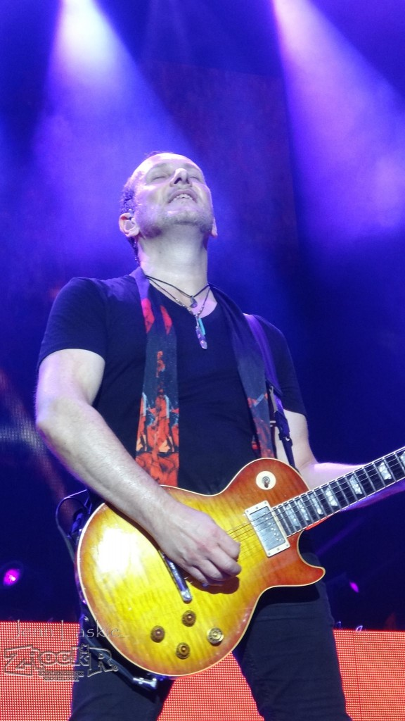 Legendary guitarist Vivian Campbell on stage in St Louis