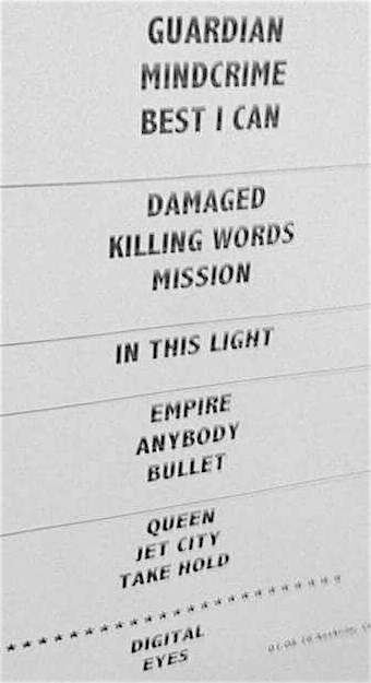 A look at the setlist from the Las Vegas performance, featuring 15 tracks.